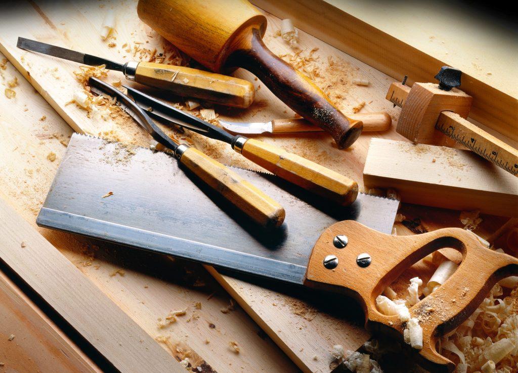 Ikkunan entisöinti työkalut